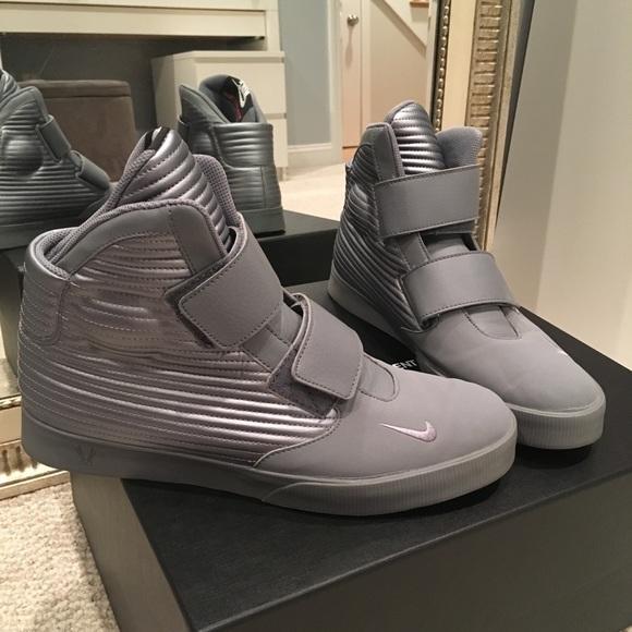 1035c3ff52 Nike Flystepper 2K3 Silver Hightop Sneakers. M 5a6d67f52ab8c57c0037cc5d